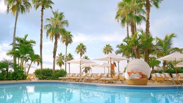 Fairmont Southampton Bermuda Resort Pool