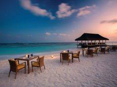 beach-dining-tropical