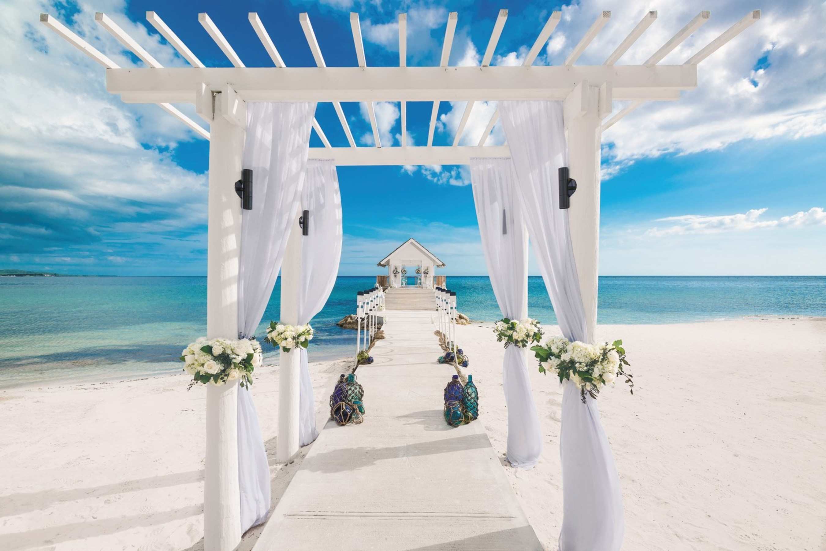 Sandals resorts inspires brides and grooms with its for What to know about destination weddings
