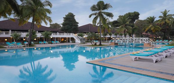 Novotel-Goa-Dona-Sylvia-Resort_10. Pool