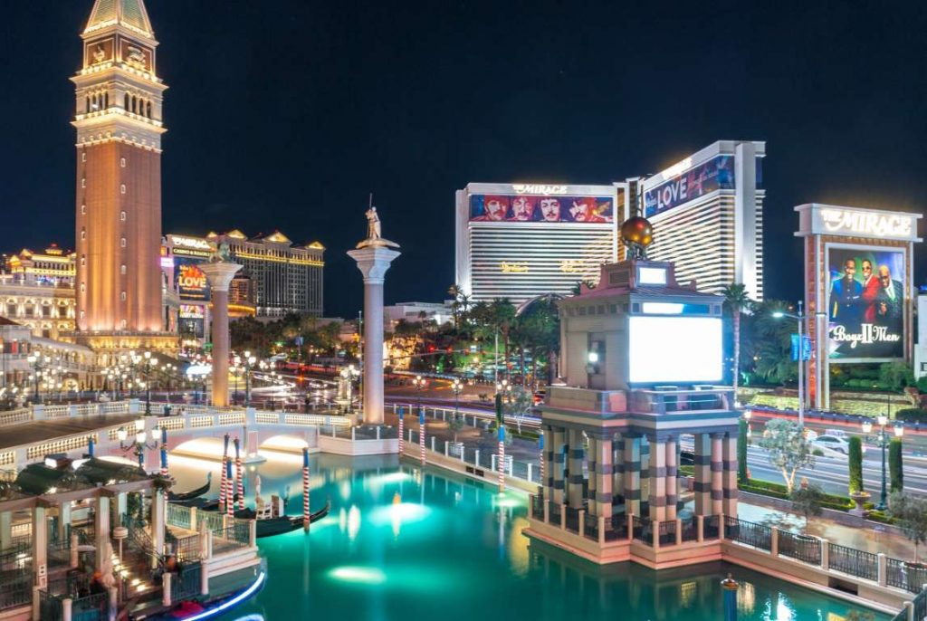 Low-Cost Las Vegas: A Quick Travel Guide