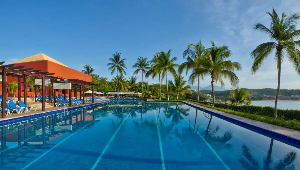 Las Brisas Huatulco Pool
