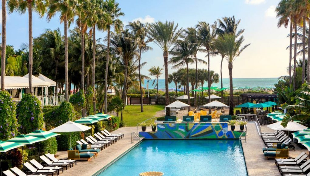 Kimpton Surfcomber Hotel Pool