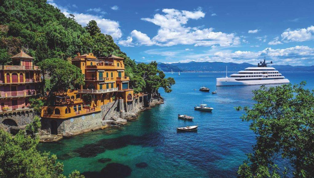 Emerald Azzurra yacht cruises