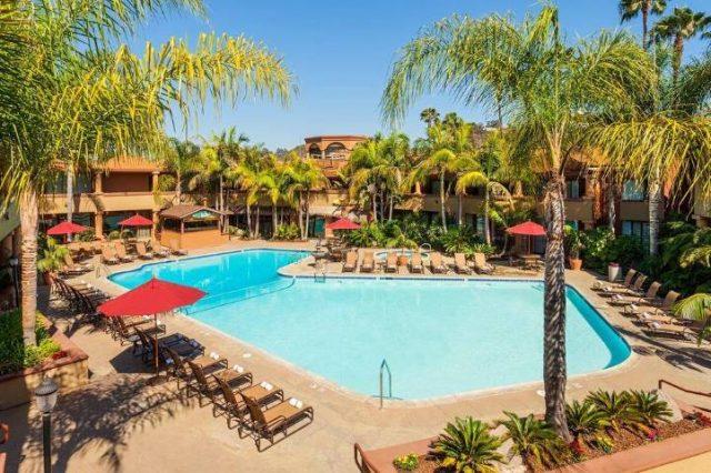 Handlery San Diego Hotel pool