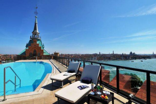 rooftop pool Hilton Molino Stucky Venice