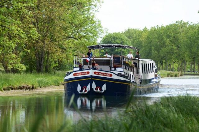 Belle Epoque Hotel Barge